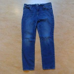 Women's GAP Straight Leg Jeans 32R